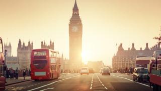Заплатите във Великобритания не са растяли толкова бързо от повече от 10 години насам