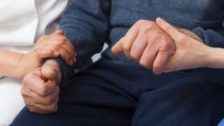 Над 800 души потърсиха невролог за късен Паркинсон