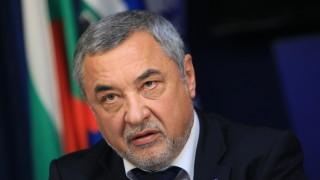 Патриотите решават съдбата на Симеонов, бюджетът за 2019 г. с рекордни показатели, охрана за македонски депутати…