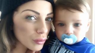 Емануела прекъсва турнето си в САЩ заради малкия Митко