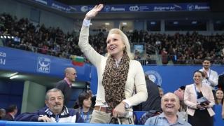 "Лепа Брена аплодира Гришо в ""Арена Армеец"" (СНИМКИ)"