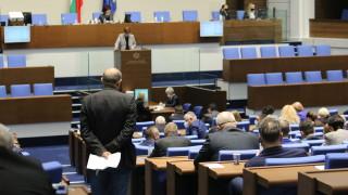 Крум Зарков пита мандатът на КЗК награда за цялостно творчество ли е?