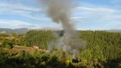 Военните продължават гасенето на пожара над Карлово