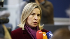ЕС не обмисля да налага санкции на Русия за Сирия