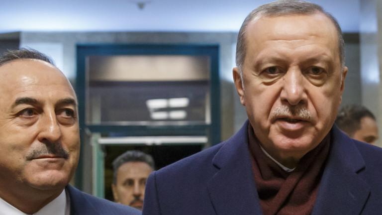Ердоган срещу Русия в Либия: Турция няма да мълчи за наемниците