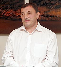 Алексей Петров загрижен за Борисов: Погрижете се за кондицията му