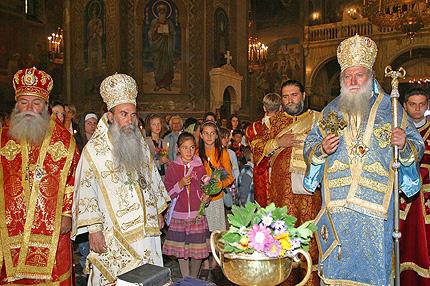 Излагат три чудотворни икони в Бургас