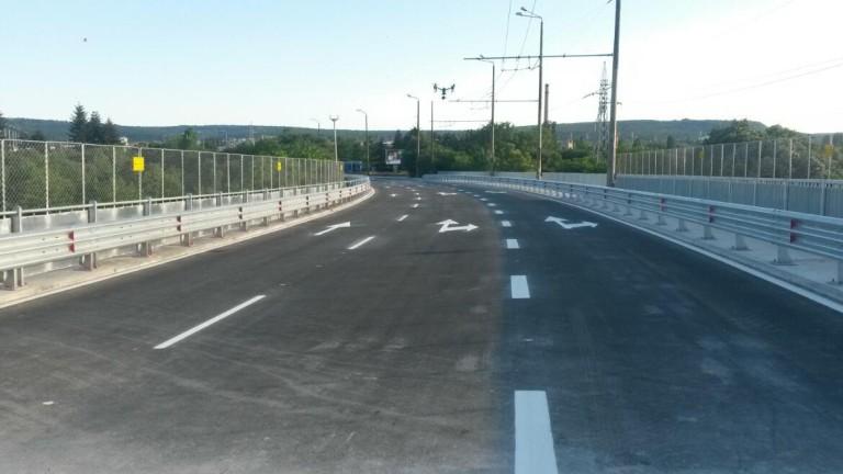 Предстоят ремонт на Аспарухов мост блокира движението, съобщи БНТ. Движението