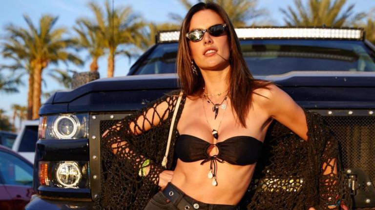 Колко секси е Алесандра Амброзио на Coachella