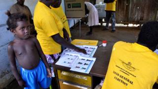 Първи свободни избори за президент в Гвинея