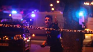 Мощна експлозия в центъра на Анкара, поне 28 жертви