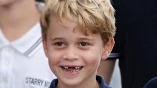 Защо се присмяха на принц Джордж