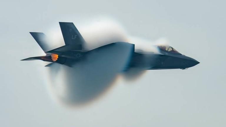 Министърът на отбраната на Сингапур обяви, че изтребители F-35 Lightning