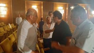 """С юмруци общинарите в Шумен """"обсъдиха"""" парите за скаутски клуб"""