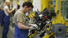 Производството на автомобили във Великобритания се срина