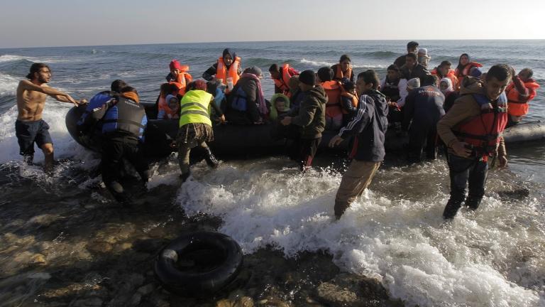 Спасителна мисия за бежанци в Егейско море