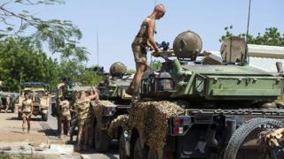 Френските сили отново атакуват ислямистите в Мали