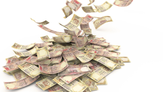 Индийската валута потъна до 7-седмично дъно