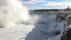 Ниагарският водопад грейва в цветовете на трибагреника ни за 3 март