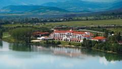 Една от най-големите верига в Испания оставя затворени хотелите в родината си, но отваря тези у нас