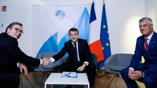 Макрон неочаквано събра Вучич и Тачи на среща в Париж