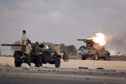 """17 """"чужди наемници"""" паднаха в капана на Кадафи"""