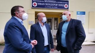 Борисов показа отвореното Банско на здравния министър