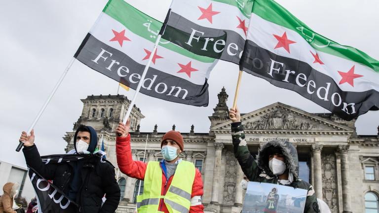 10 години война, а Башар Асад стои начело на Сирия