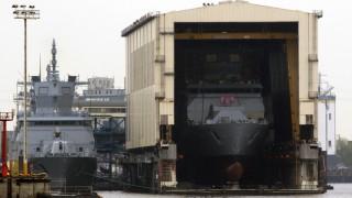 Италия разреши продажбата на бойни кораби на Египет въпреки убийството на студент