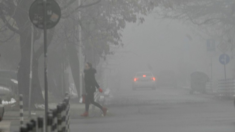 Мръсен въздух задушава пет града у нас
