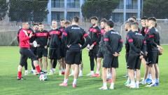Младежкият национален отбор с първа тренировка в Анталия