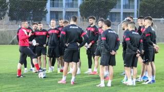 """Младите """"лъвове"""" тренират в Русе за предстоящите квалификации"""