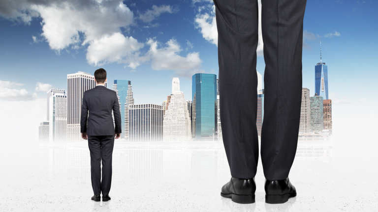 Кой се грижи по-добре за интересите на работниците и служителите – синдикатите или работодателите?