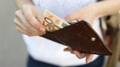 Какво ни показват 5 десетилетия експерименти с безусловния базов доход