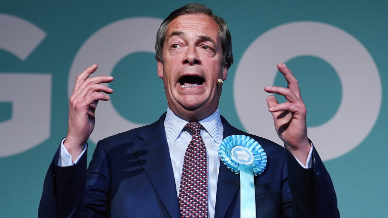 "Фараж: Победа на Партия ""Брекзит"" на евровота утре ще свали Мей и Корбин"