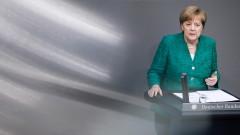 Миграцията решава съдбата на ЕС, предупреди Меркел пред Бундестага