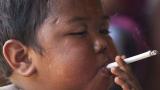 Вижте как изглежда бебето, което пушеше 40 цигари на ден (СНИМКИ)