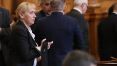 Йончева предлага официално НС да премине към работа на тъмно