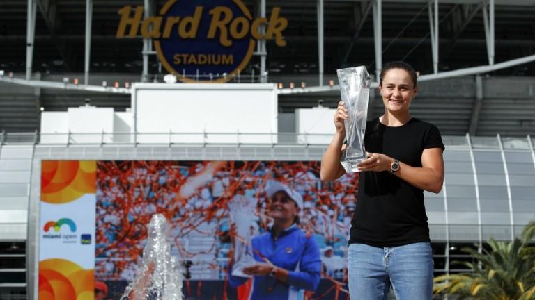 Ашли Барти (Австралия) победи Каролина Плишкова (Чехия) със 7-6(1), 6-3