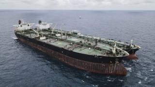 Индонезия задържа танкери от Иран и Панама