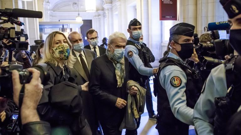 Бившият френски министър и белязан от скандали магнат Бернар Тапи,