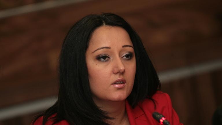 Лиляна Павлова разпитвана от прокуратурата за скандала с НДК