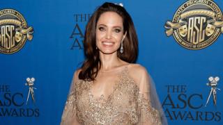 Откъде пазарува Анджелина Джоли за Коледа