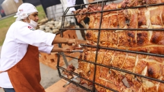 Най-големият вносител на месо в света може да намали вноса на свинско с над 50% до края на 2021-а
