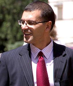 Дянков обсъжда проблемите с тока по морето
