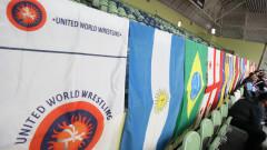 Националите по борба (момчета и момичета) заминават за турнир в Румъния