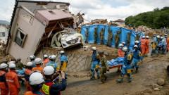 156 са вече жертвите на наводненията в Япония
