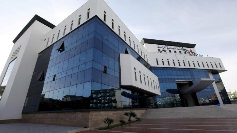 Жертви при стрелба и взривове в Националната петролна корпорация в Триполи
