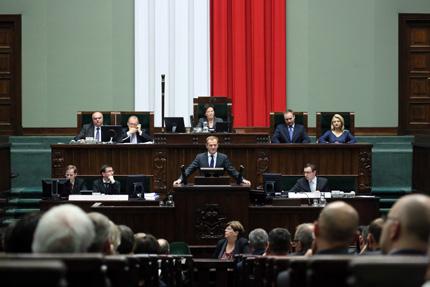 Премиерът на Полша разкри план за отделяне на €42 млрд. за растеж