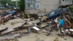 Издирват още трима изчезнали при наводненията, Бобева гарантира за влоговете в КТБ, Овчаров  предлага избори догодина...
